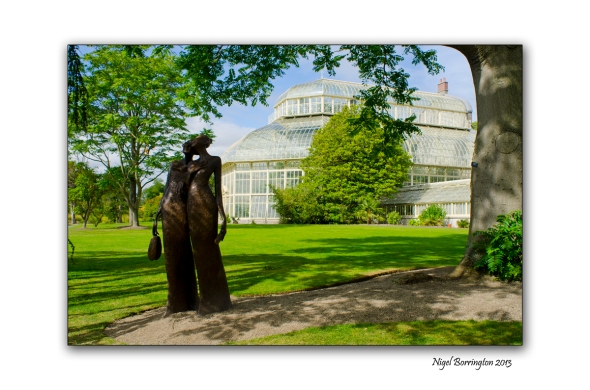 Two friends at the National Botanic Gardens 4