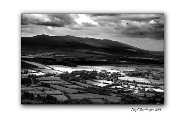 Milk hill Nier Valley black and white