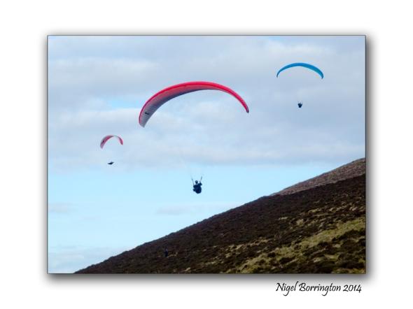 Parascending from Slievenamon, Tipperary. Photography : Nigel Borrington