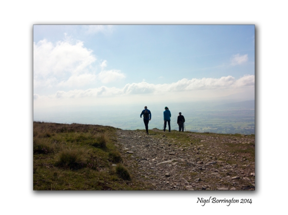 Walking on Slievenamon 01