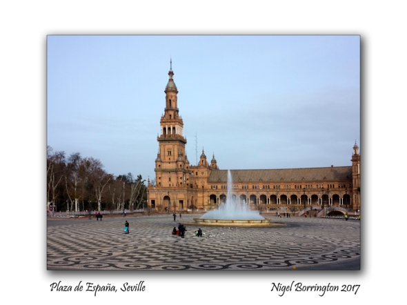 plaza-de-espana-seville-panorama-nigel-borrington-2